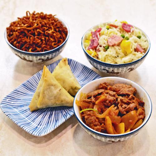 menu boeuf avec samoussa riz cantonais nouilles pad thai et boeuf sauce saté